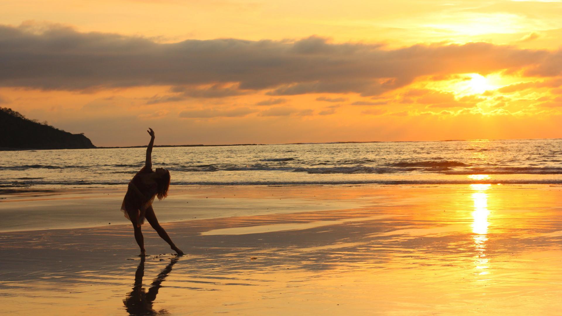 Beach-Sunset-Desktop-Wallpaper
